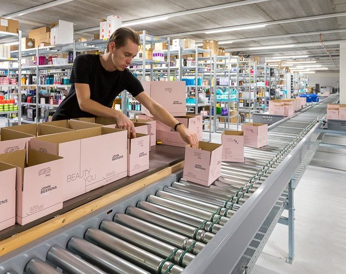 Boxwise met conveyor-systeem Johnbeerens.com